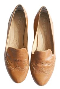 Naturalizer Low Heel Loafer Preppy Tan Flats
