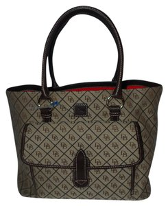 Dooney & Bourke Tote in bn/bn/bl