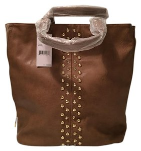 Steve Madden Tote in Taupe
