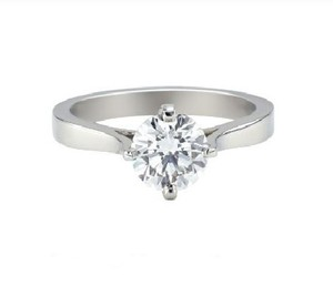 Stunning Solitaire Engagement Ring