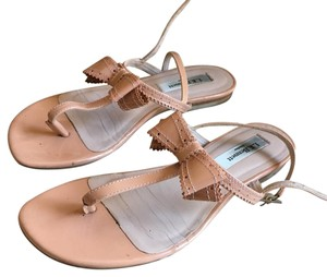L.K. Bennett Bow Sandals nude Pumps