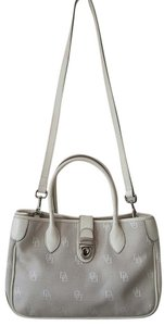 Dooney & Bourke Shoulder Crossbody Tote in Gray white