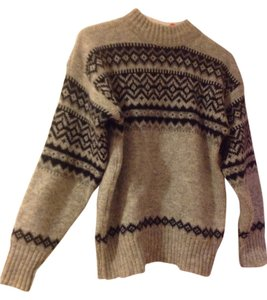 B.Scandinavian design Sweater