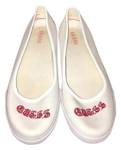 Guess Twill Slip On White and Red Flats