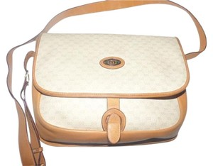 Gucci Hardware Ivory And Cross Body Bag