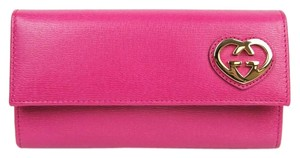 Gucci Hot Pink Leather Heart Interlocking G Continental Wallet 251861 5570