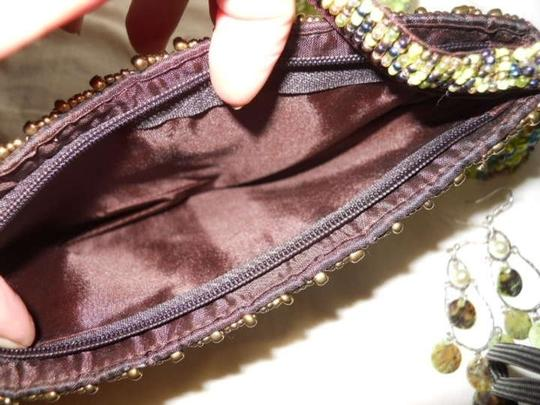 Other green beaded clutch lot