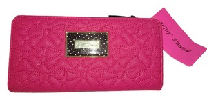 Betsey Johnson Bone Quilted bows Bi Fold snap closure wallet /GIFT BOXED