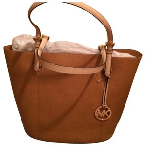 0b8292920adb Michael Kors Hobo Bags - Up to 70% off at Tradesy (Page 3)
