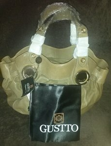 Gustto Unique Roomy Lots Of Compartments Many Uses. Large Purse Good As New Shoulder Bag