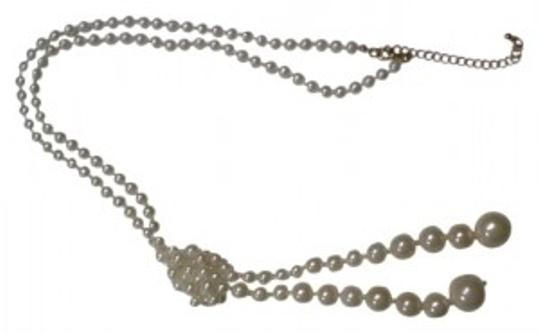 Preload https://img-static.tradesy.com/item/17753/new-york-and-company-knotted-pearl-necklace-0-0-540-540.jpg