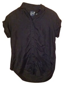 American Eagle Outfitters Silk Everyday Blouse Capped Sleeve Layering Button Down Shirt black