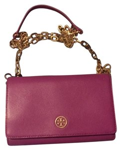 0f6654fb9a7 Tory Burch Robinson Chain Wallets - Up to 70% off at Tradesy