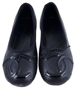 Chanel Leather black Flats