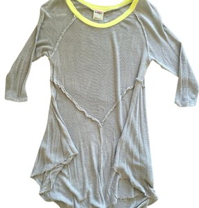 Free People T Shirt Grey and green