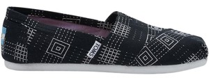 TOMS Black embroidered Flats