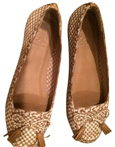 Tory Burch Nude/off white Flats