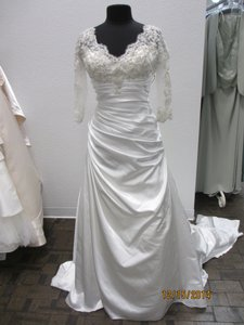 Demetrios 4320 (117l) Wedding Dress