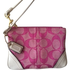 Coach Wristlet in Pink