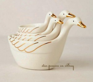 Gilded Geese Measuring Cup Set