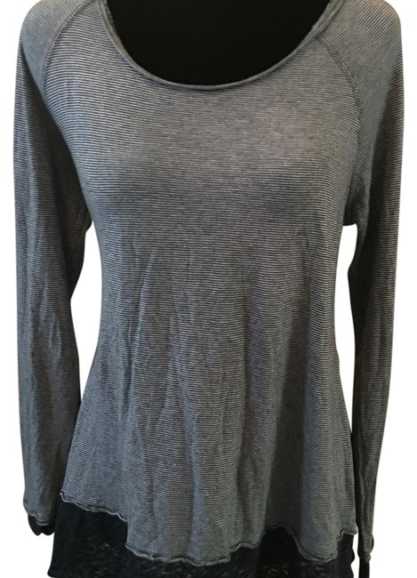 Preload https://img-static.tradesy.com/item/17765164/american-eagle-outfitters-multicolor-blouse-size-6-s-0-1-650-650.jpg