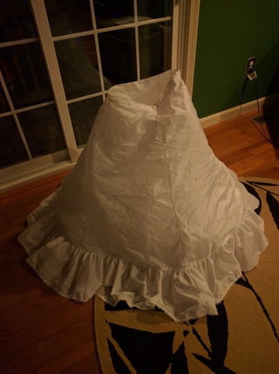 Merry Modes White Tulle Petticoat