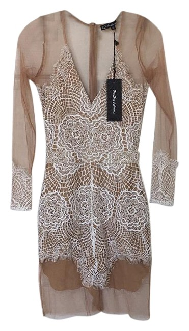 Item - Beige/White Above Knee Night Out Dress Size 4 (S)