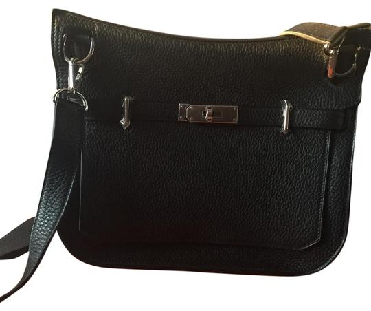 Preload https://img-static.tradesy.com/item/17769829/hermes-jypsiere-new-black-leather-cross-body-bag-0-7-540-540.jpg