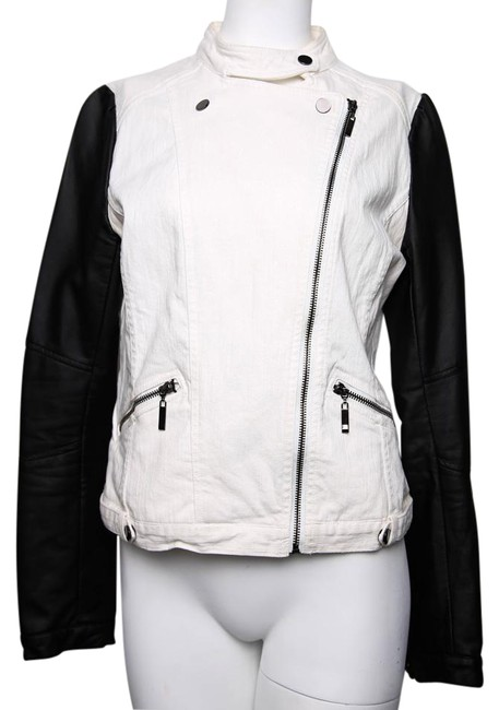 Preload https://item4.tradesy.com/images/kenneth-cole-white-black-size-6-s-17770153-0-1.jpg?width=400&height=650