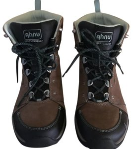 Ahnu Hiking Montara Chocolate Chip Boots