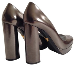 Prada Patent Leather Pump Round Toe Thickheel Olive Platforms