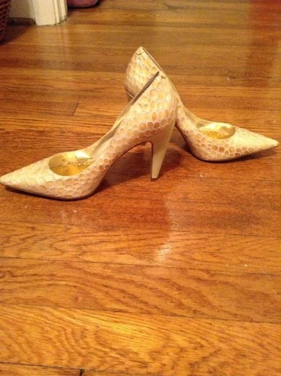 BCBGeneration Cream Design Pumps