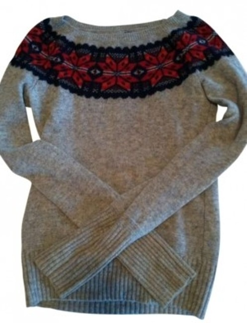 Preload https://item2.tradesy.com/images/american-eagle-outfitters-grey-red-blue-sweaterpullover-size-4-s-177776-0-0.jpg?width=400&height=650