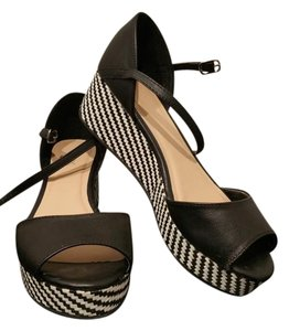 #womensandles #wedgies Black/Cream Wedges