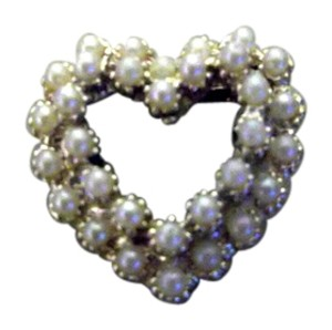 Unknown REDUCED! Vintage Heart Shaped Pearl Brooch
