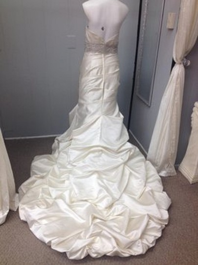 Winnie Couture Pearl Satin Mermaid Traditional Wedding Dress Size 8 (M) Image 3