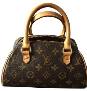 Louis Vuitton Ribera Mini Mini Vintage Clutch Tote in Monogram