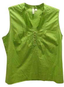 St. John Top lime green