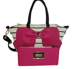 Betsey Johnson Medium Bone/black Fuchsia Bow Cross Body Matching Wallet Satchel in bone/black/fuchsia bow