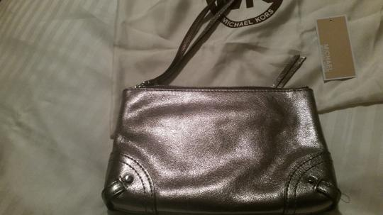 Michael Kors Mk Fallon Zip Silver Hardware Nickel Clutch Image 4