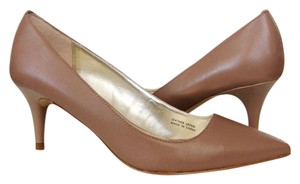 Tahari Pointed Toe Low Heel Office Elegant Classic Brown Pumps