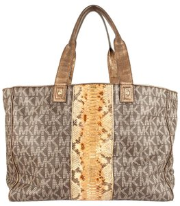 Michael Kors Tote in Monogram