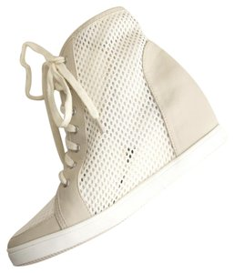 Deena & Ozzy Urban Hipster Mesh Ash White Wedges
