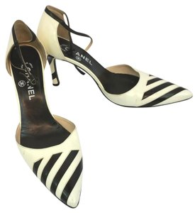 Chanel Black Creme Leather Heels Pumps