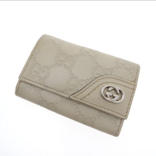 Gucci Beige Guccissima leather with Beige 6 key hooks Image 5