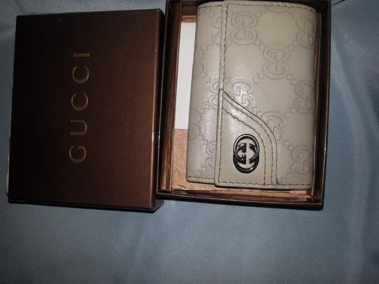 Gucci Beige Guccissima leather with Beige 6 key hooks Image 7