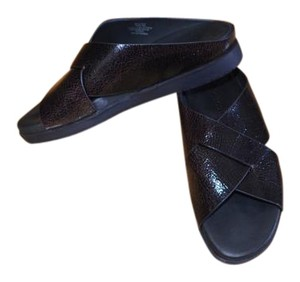 Gentle Souls Leather Patent Soft Black Crackle Sandals