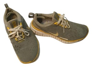 Nike grey and yellow Athletic