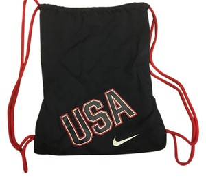 White Nike Bags - Up to 90% off at Tradesy 3bde2ddc996f3
