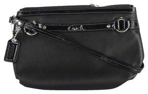 Coach Gallery Leather Wristlet in Black